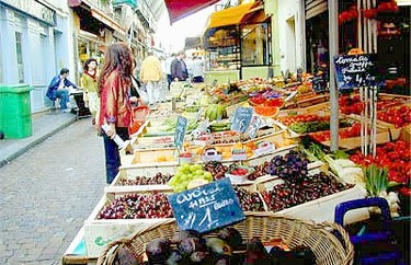 Food galore on Rue Mouffetard
