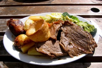 800px-Sunday_roast_-_roast_beef_1