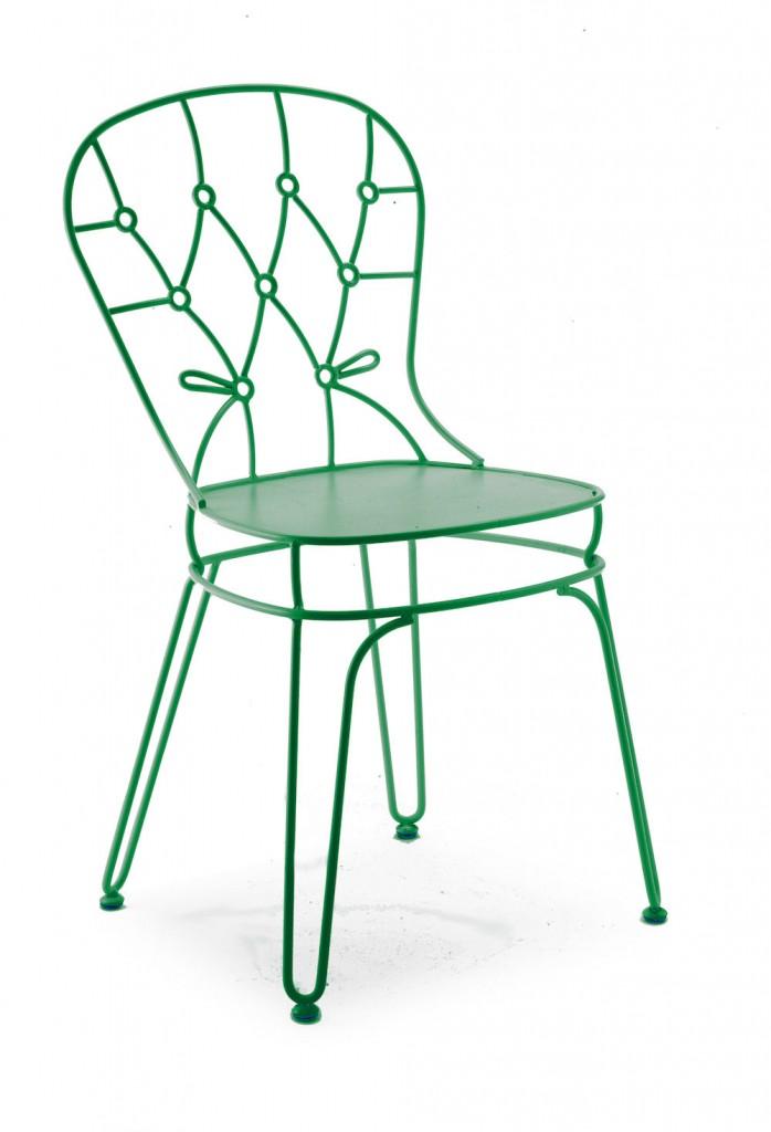 green wroght iron chair by alessandra baldereschi for skitsch