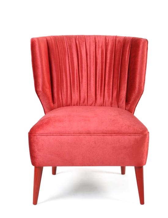 MUNNA_lipstick_armchair