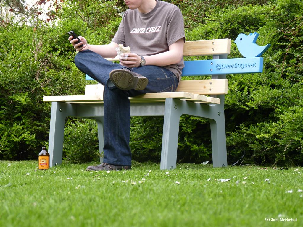 tweeting seat creazina