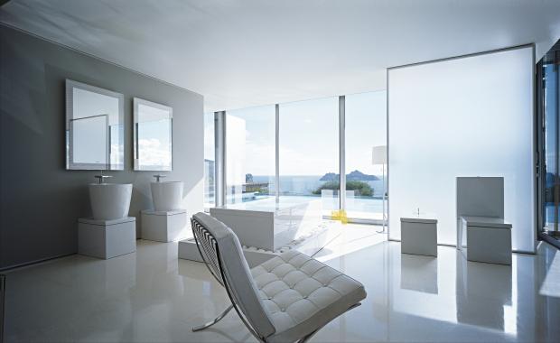 Duravit white bathroom, white sinks, mirrors