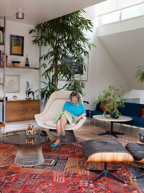 Cherrill Scheer in the living room, photograph Ben Anders