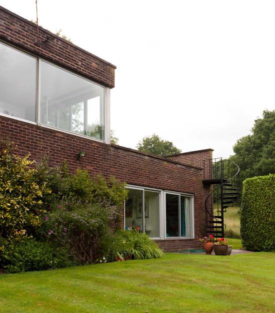 Exterior, Cherrill Scheer's home, photograph Ben Anders