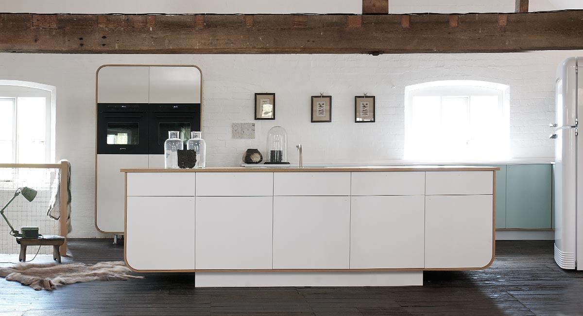 devol air kitchen: airstream inspired kitchen design