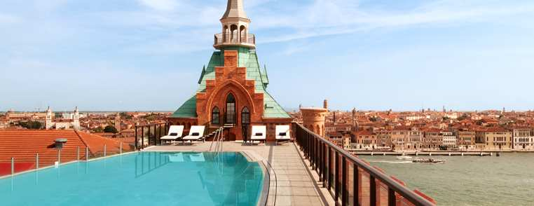 VCEHIHI_Hilton_Molino_Stucky_Venice_information_pool41_hero