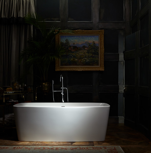 Justin Shaulis recreates the drama of Edwardian England in A Room With a View for DXV