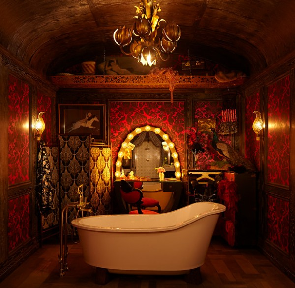 Tami Reynolds and Krista Schwartz from Cloth and Kind create a bath inspired by Water for Elephants