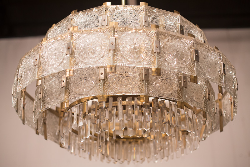 crystal chandelier at Lorford's in tetbury