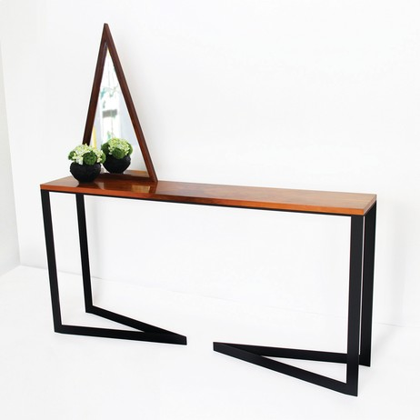 VV CONSOLE by ALEX DREW & NO ONE