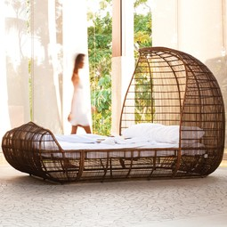 VOYAGE BED (COVERED OUTDOOR) by DESIGNLUSH