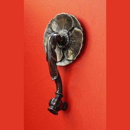 Poppy door knocker by Studio DKS