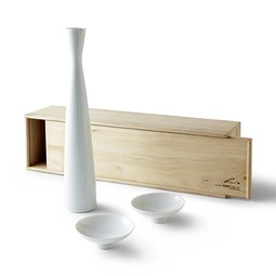 HEAVEN AND EARTH SAKE SET by Spin Ceramics