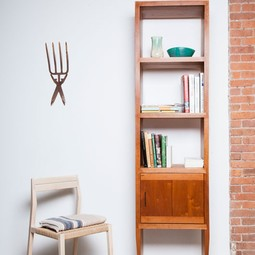 Tapered bookcase by STILLMADE
