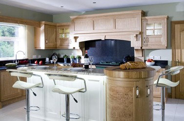 Traditional Oak - Designer Kitchen