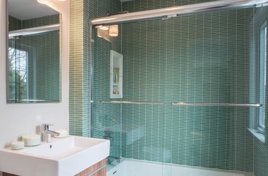 Guest Bath - Pizzigati Designs
